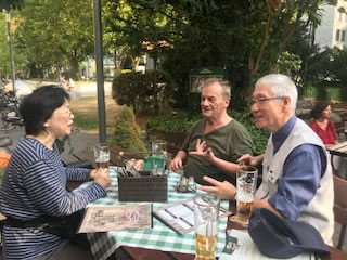 Besuch beim LabourNet Germany von 3 japanischen GewerkschafterInnen im August 2018, hier bei der Rundfahrt durchs Ruhrgebiet