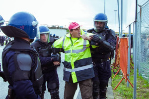Sondereinheiten der portugiesichen Polizei bei Festnahmen streikender tagelöhner in Setubal am 22.11.2018