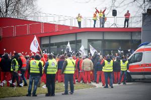 Warnstreik bei Audi in Györ am 18.1.2019: Weil sie am wenigstens Lohn in ganz Europa bekommen...