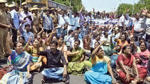 Zehntausende LehrerInnen im Streik im indischen Bundesstaat Tamil Nadu im Januar 2019 - Massenentlassungen...