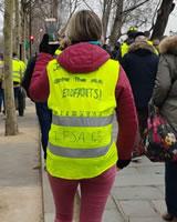 """Foto von Bernard Schmid: Aufschrift auf der Jacke: """"Zukunft für meine Kinder"""" (Demo in Paris am 5.1.19)"""