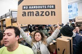 Proteste gegen die Steuergeschenke, die Amazon nach New York locken sollten waren erfolgreich, am 14.2.2019 erfolgte die Streichung des Großprojekts