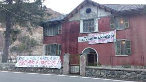 Die Gruppen, die das Flüchtlingshaus Casa Cantoniera an der italienisch-französischen Alpengrenze betreiben rufen zur personellen Unterstützung auf - seit dem 25.1.2019