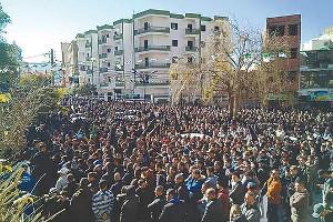 """Eine Demonstration in Algier am 26.2.2019 - nicht nur an den Freitagen wird gegen das """"5. Mandat"""" für Bouteflika protestiert..."""