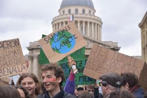 """""""Ändern wir das System, nicht das Klima"""" in ganz Frankreich am 16.3.2019"""