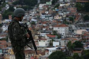 """In den Favelas von Rio de Janeiro ist man tödliche Polizeieinsätze """"gewohnt"""". Seit Bolsonaro finden sie auch anderswo in Armenvierteln statt..."""