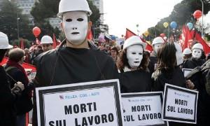 Protestdemonstration gegen die ganze Serie tödlicher Arbeitsunfälle in Mailand im Herbst 2018