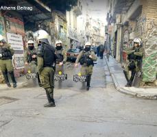 Polizeiüberfall auf 2 Athener Migrantenzentren in besetzten Häusern - sind natürlich alle kriminell, ist Wahlkampf