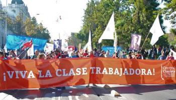 [1. Mai 2019] Zwei  gewerkschaftliche Demonstrationen in Chiles Hauptstadt