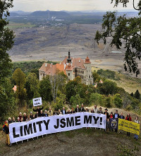 Protest in Tschechien gegen die CEZ - eines der grössten Unternehmen des Landes will den Braunkohleabbau weiter ausbauen