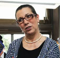 Im Gefängnis wegen ihres Protestes gegen die Wahlfarce in Algerien: Louisa Hanoune von der PT - ihre Freilassung wird weit über die Parteireihen hinaus hgefordert