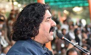 Der Abgeordnete Ali Wazir - von der pakistanischen Armee festgenommen - nachdem sie auf eine von ihm orgaisierte Demonstration geschossen hatte...am 26.5.2019