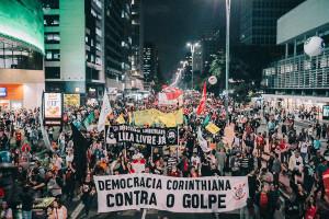 Die Demonstration in Sao Paulo beim Generalstreik gegen Bolsonaros Rentenreform am 14.6.2019 - in dieser größten der vier Demos im Großraum waren 50.000 Menschen