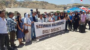 Einer der vielen Proteste der Betroffenen gegen den Riesenstaudamm, den die türkische Regierung in Kurdistan unbedingt haben will