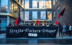 Die Autorengruppe des Artikels über Gewerkschaften in Schweden bei einer Protestaktion gegen die Einschränkung des Streikrechts