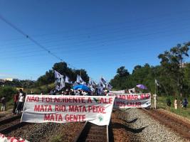 Erztransport in Brasilien blockiert: Seit 4 Jahren bekommen die Opfer des Dammbruchs von 2015 keine Entschädigung