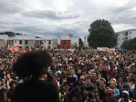 Gemeinsame Demonstration bei Paris am 20.7.2019: Gelbwesten und Polizeiopfer-Komitee