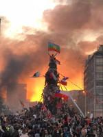 Paris 26.10.2019 - bei Akt 50 der Gelbwesten viele Chilenen dabei - ihre Fahnen auch