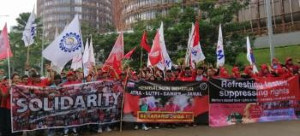 Eine der zahlreichen Solidaritätsaktionen mit Coca Cola Beschäftigten - hier mit Indonesien - in einer Kampagne, die bereits eit 2017 organisiert wird