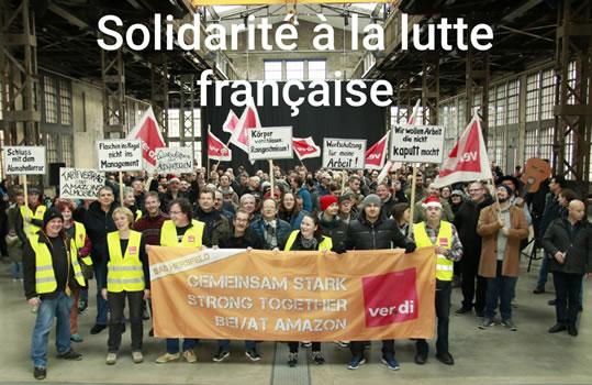 Streikende KollegInnen bei Amazon in Bad Hersfeld grüssen am 20.12.2019 die Streikenden in Frankreich