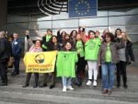 Reinigungskräfte vernetzen sich international gegen die Praxis von Subunternehmen und kämpfen für eine entsprechende EU-Richtlinie
