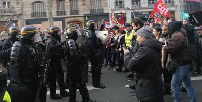 """Foto von Bernard Schmid der Demo gegen Renten""""reform"""" am 17.12.2019 in Paris"""