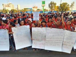 3.000 im Streik bei chinesichem Kasino in Kambodschas Hauptstadt: Wiederinstellung der Gewerkschaftsvorsitzenden erkämpft