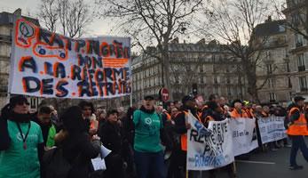 Pariser Nahverkehrsbetriebe bei der Pariser Demo am Samstag, den 11. Januar 20 - Foto: Bernard Schmid