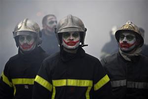 "Pompiers / Feuerwehrleute in Frankreich gegen die Renten""reform"""