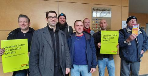 FAU Kaiserslautern: Solidarität beim Gütetermin am 5. März 20 vor dem Arbeitsgericht Kaiserslautern vom Leiharbeiter für gleichen Lohn für gleiche Arbeit