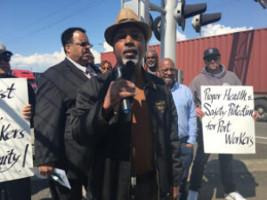 Soliaktion der ILWU in Oakland mit Kreuzfaht-Besatzung im Mai 2020