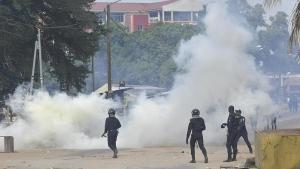 Polizei der Elfenbeinküste greift streikende Gesundheitsbeschäftigte an am 19.5.2020