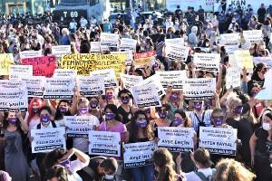 Für die Konvention - Demo in Istanbul 11.8.2020