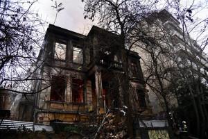 Das 2018 von Nazis in Brand gesteckte Zentrum in Thessaloniki - wird wieder aufgebaut