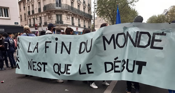 Foto von Bernard Schmid der Pariser Demo am 1.5.2021: Das Ende der Welt ist erst der Anfang